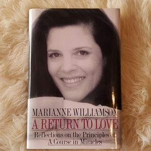SOLD!! Marianne Williamson A Return to Love Book